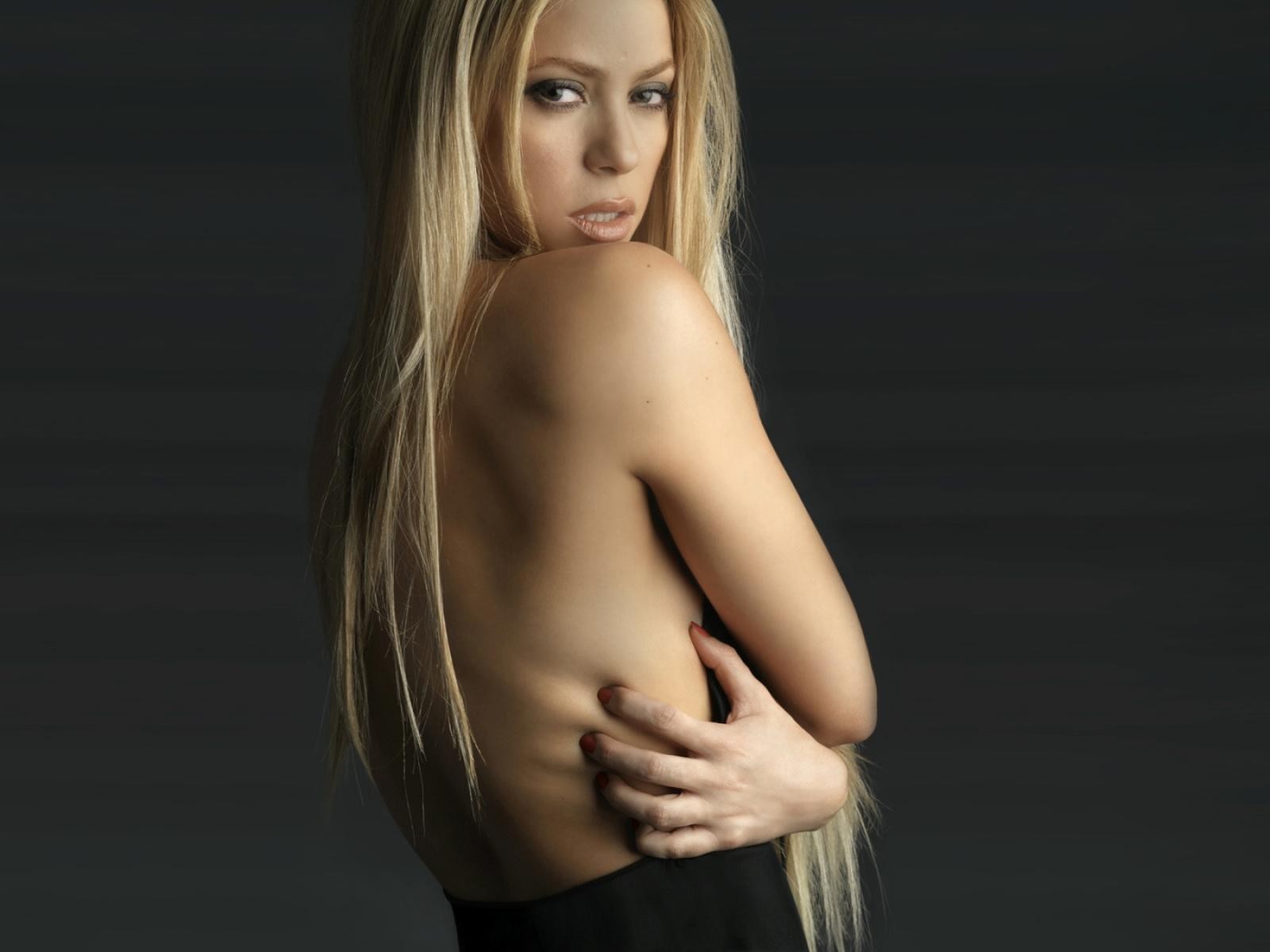 Shakira Naked Pictures